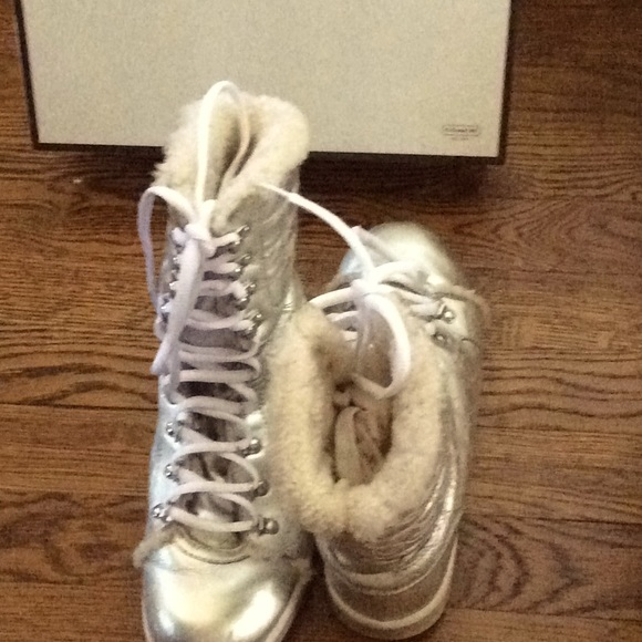 Coach Silver Snow boots size 7 Medium